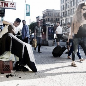 One hair stylist grooms the homeless of New York.