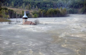 Romanian, Toxic Lake