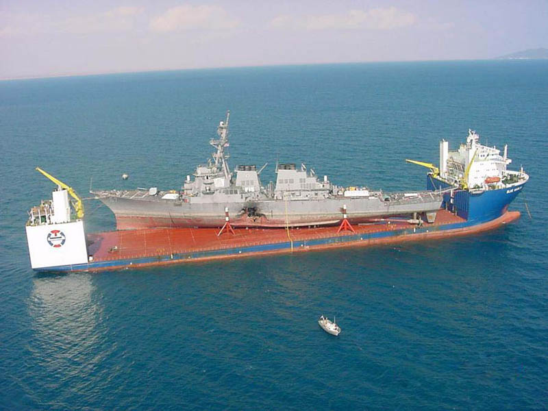 blue-marlin-heavy-lift-ship-transports-rigs-and-other-ships-8