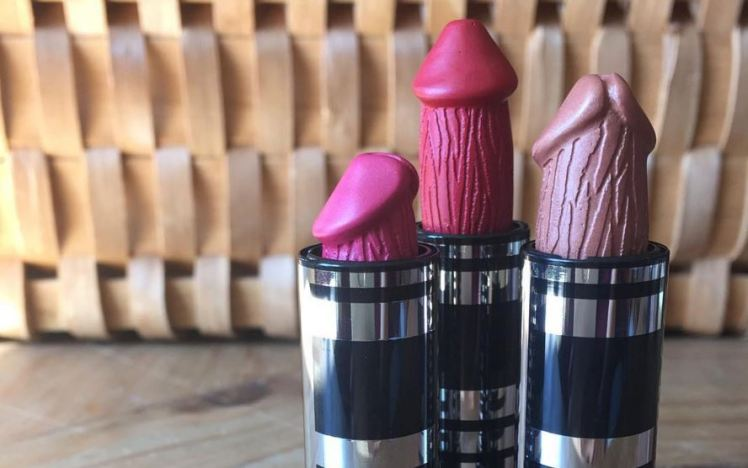 penis-shaped-lipsticks
